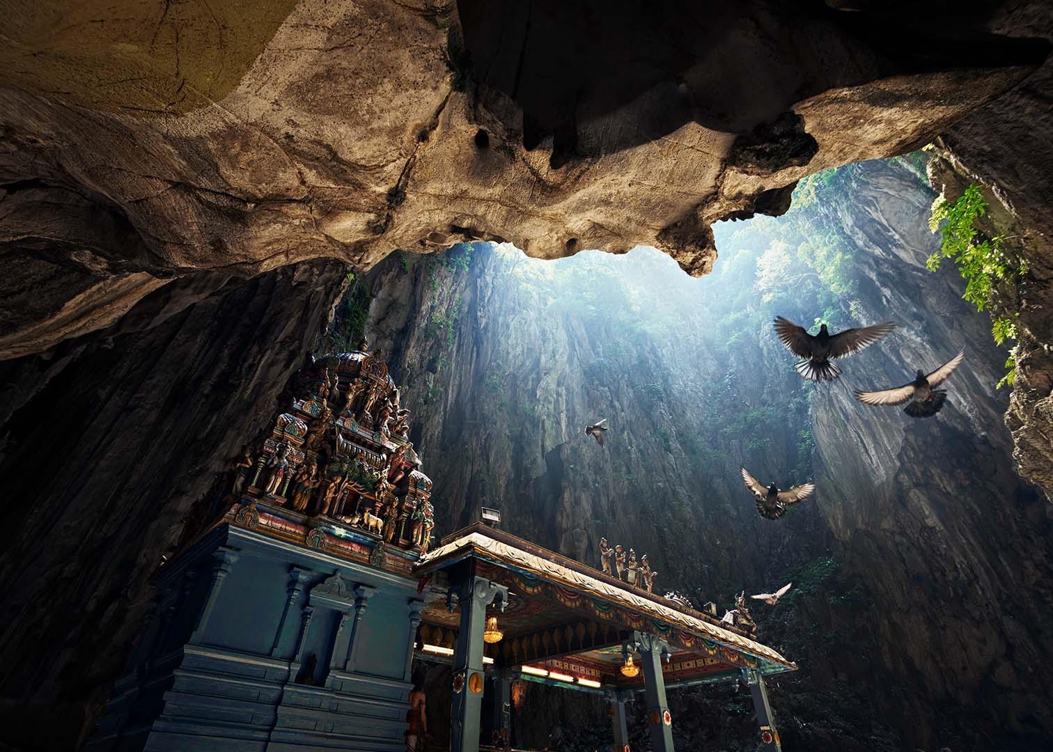 Картинки по запросу Пещеры Бату, Малайзия